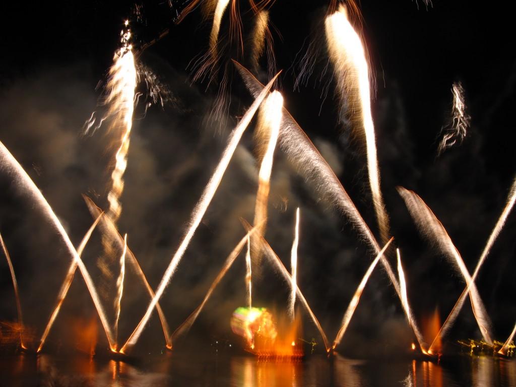 Fireworks at IllumiNations at Epcot Park